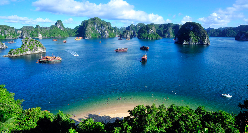 About Lan Ha Bay in Vietnam