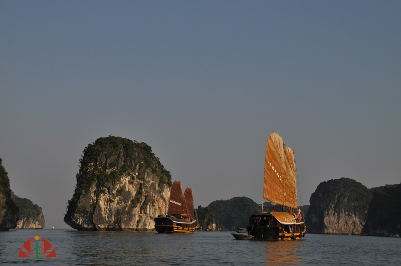 Cat Ba Sailing Junk Lan Ha Bay 3 Days 2 Nights