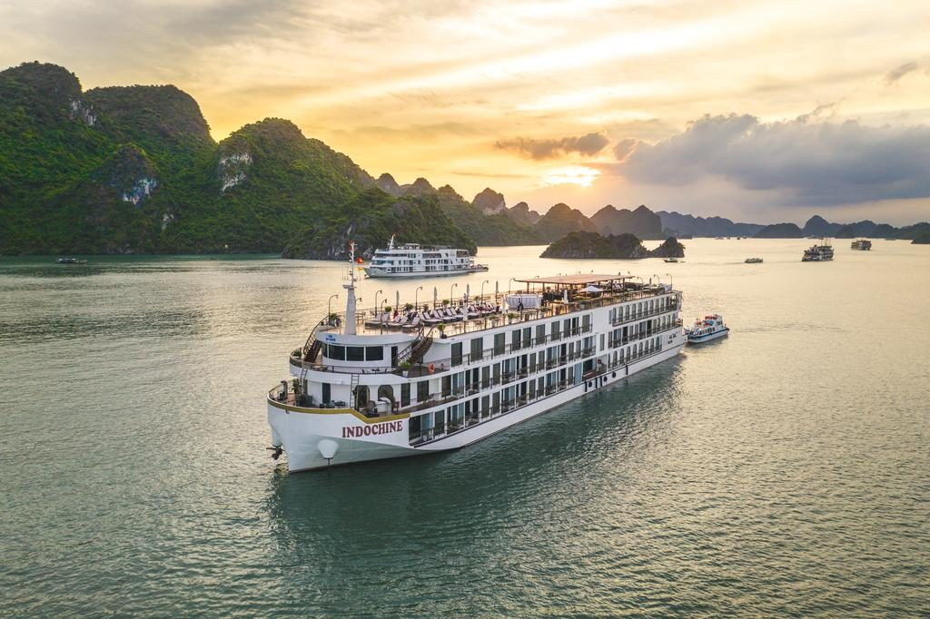 Indochine Cruise Lan Ha Bay
