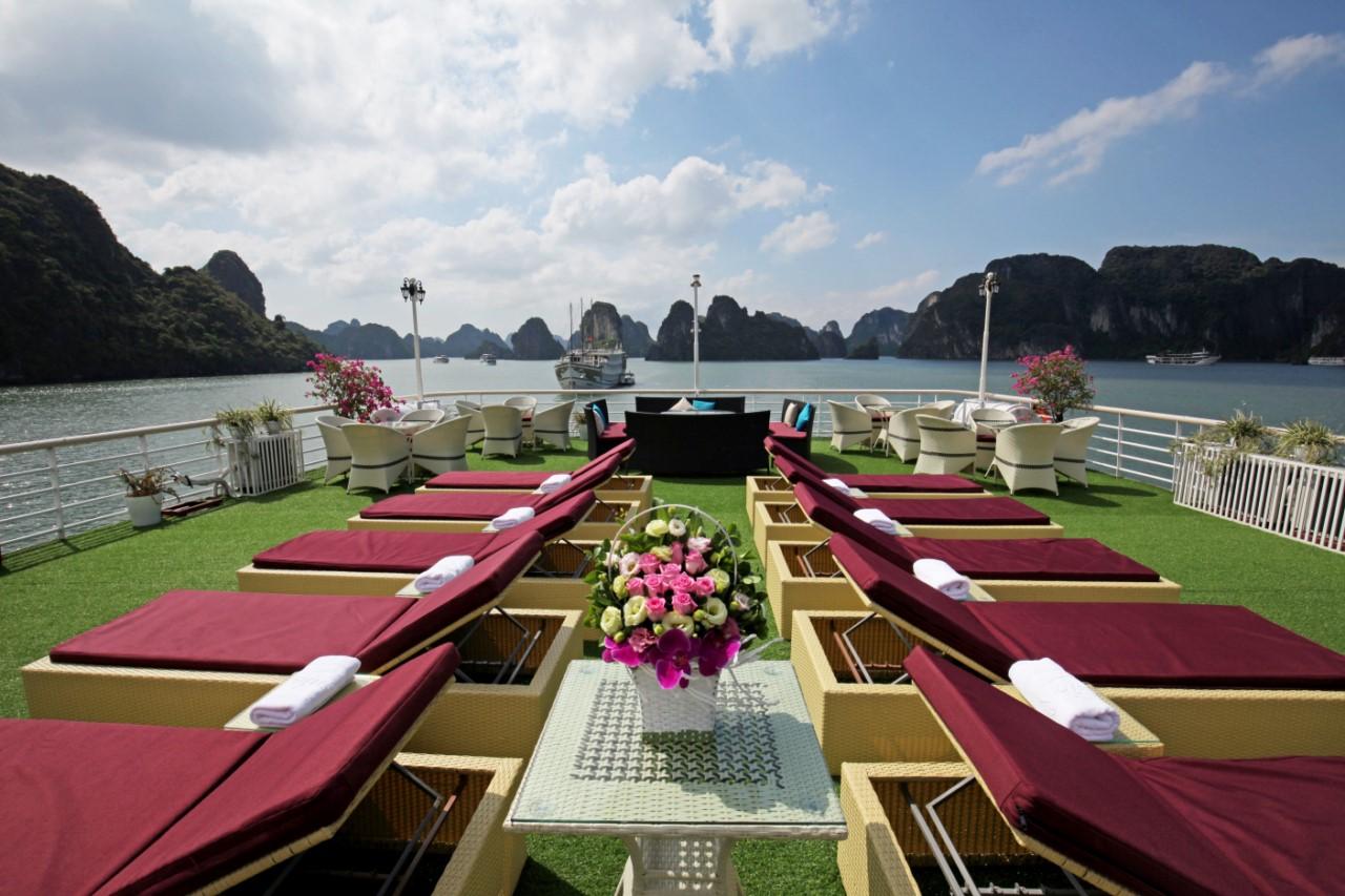 Lapinta Cruise Lan Ha Bay