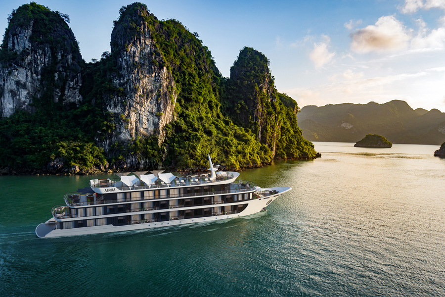Aspira Cruises in Lan Ha Bay