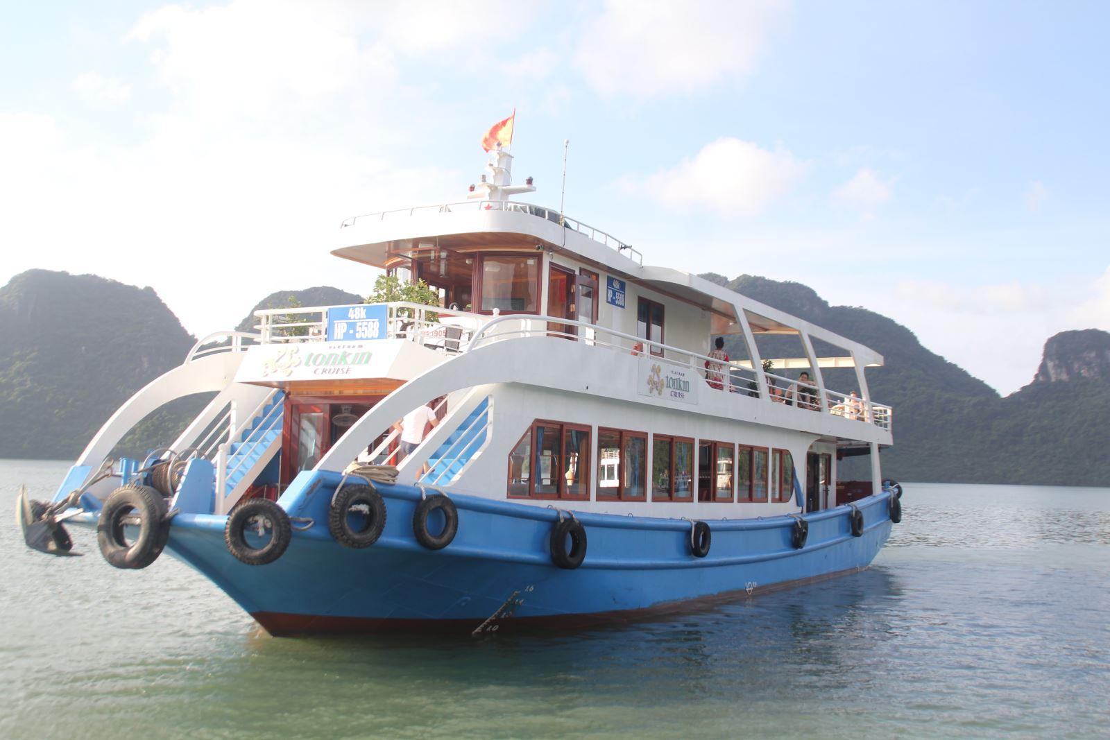 Tonkin Budget Day Cruise in Lan Ha Bay