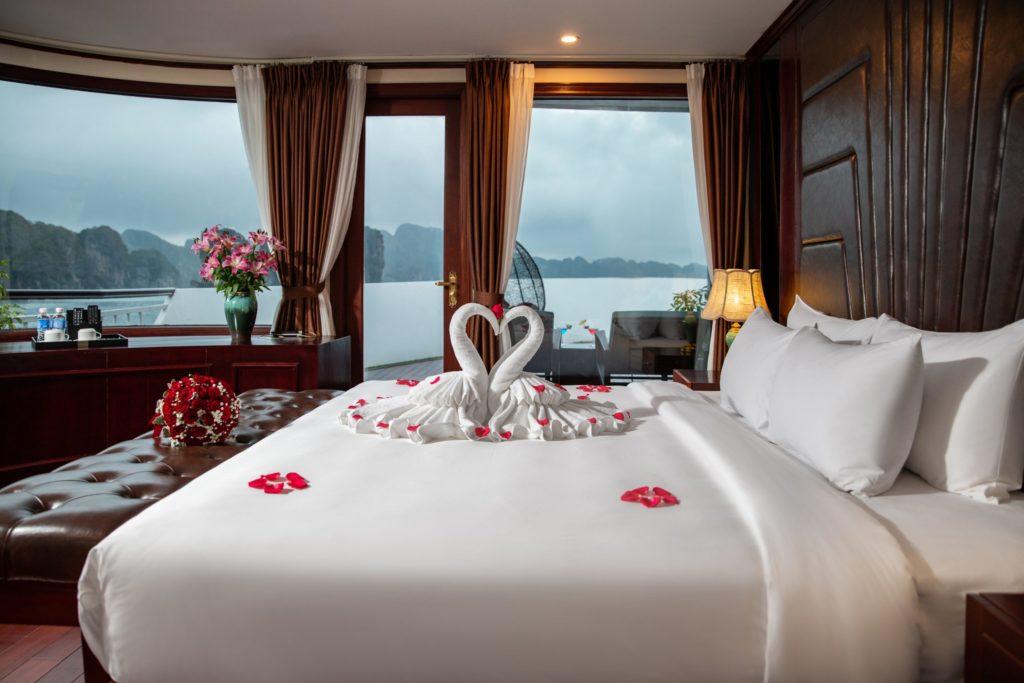 Dora Cruise Lan Ha Bay 2 Days 1 Night