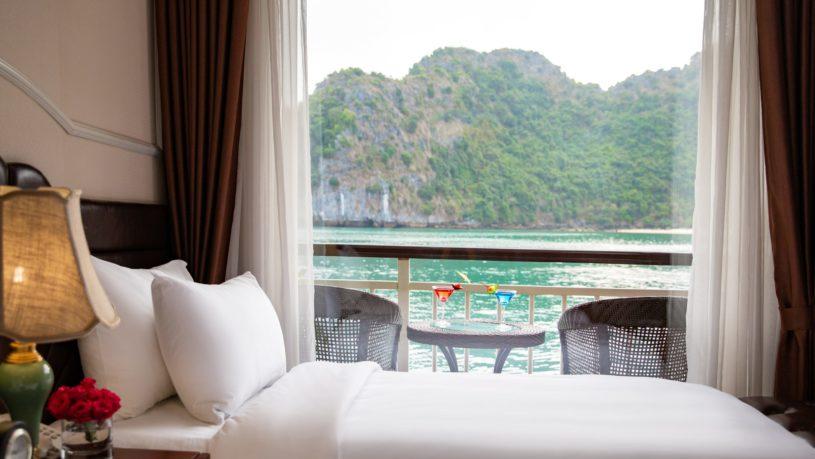 Dora Cruise Lan Ha Bay